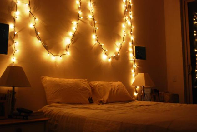 Simple-Christmas-Bedroom-Decor-Ideas1